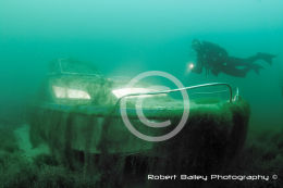 Diver and Wreck using remote strobes