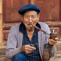 Baisha man with pipe