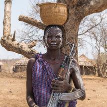 Mursi - Riflewoman