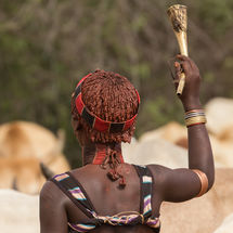 Bull jumping initiation ceremony - Hamar horn