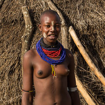 Karo - Young lady