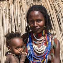Arbore - Mother and baby
