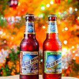 Blue Moon Gingerbread Spiced Ale and Blue Moon White IPA and Christmas Tree-0073