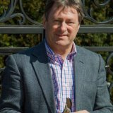 Cliveden Maze Opening-Alan Titchmarsh with secateurs-77