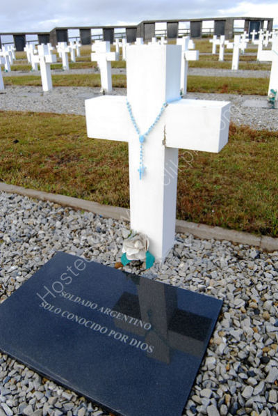 Argentine Cemetery grave