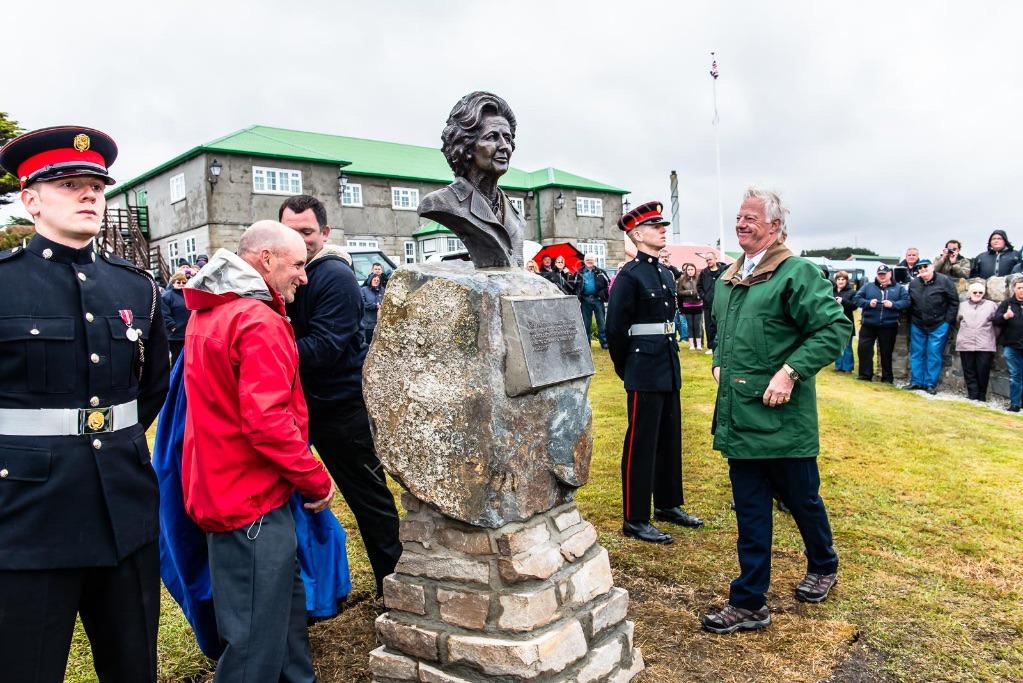 3979 Thatcher Sculpture