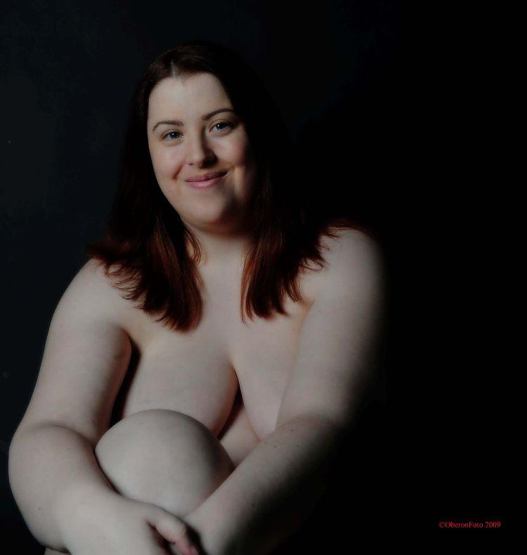 Mandy - Happy model
