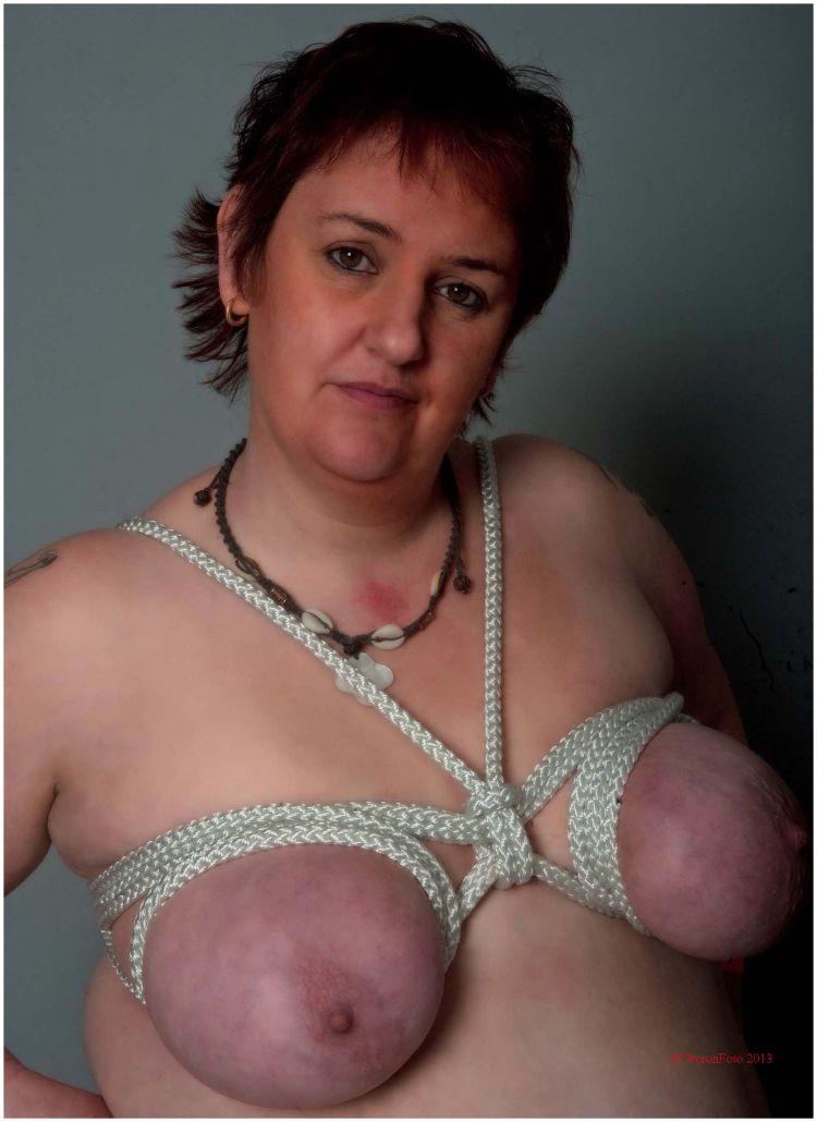 Vamparia - Bound boobs