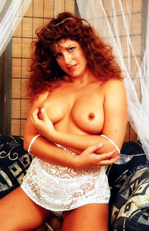 Gilly Sampson - Nipple Play
