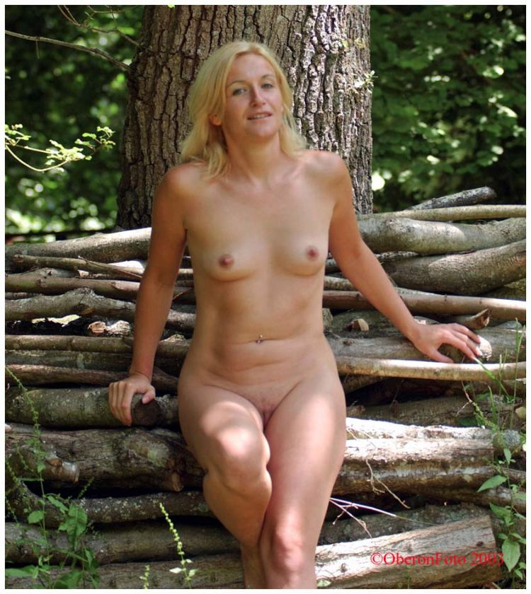 Alice - By the wood pile