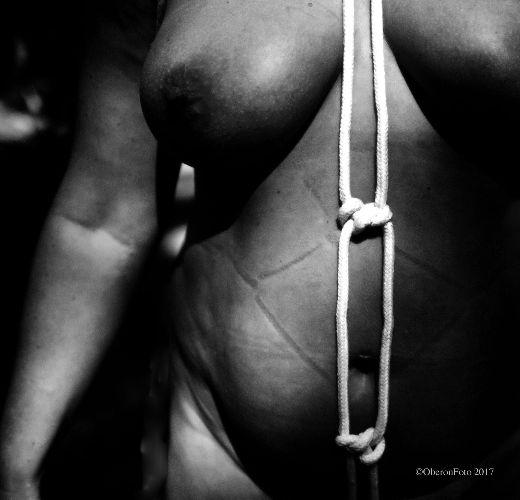 Muse - Rope marks  and shade