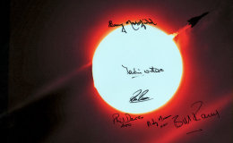 Signed copy of Vulcan XH558 passing the sun