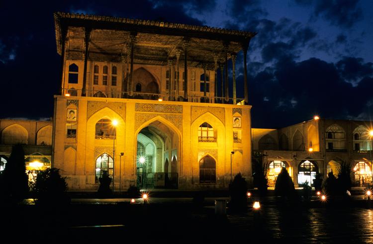 The Ali Qapu Palace. Photograph © Paul Bernhardt.