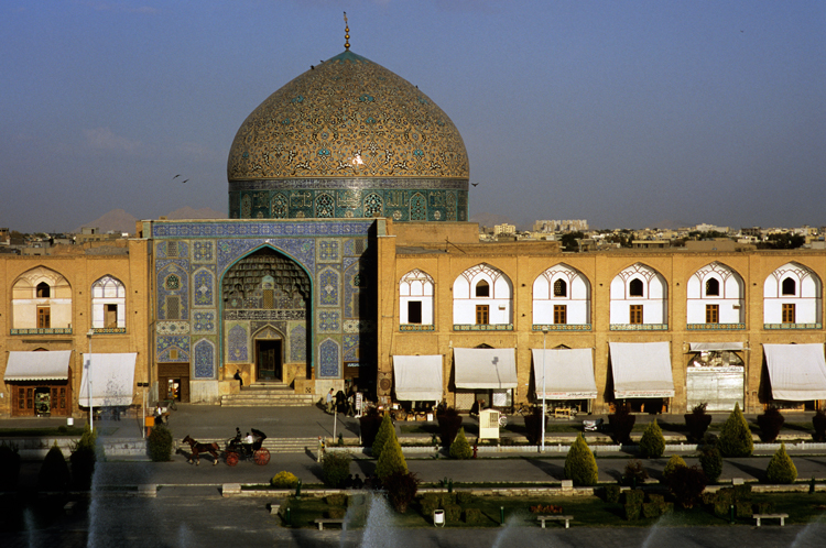 A centre point of the Iman Khomeini Square is the Sheikh Lotfollah Mosque. Photograph © Paul Bernhardt.