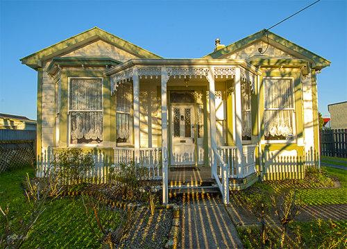 1896 Villa 1707