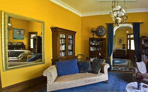 Lindale villa lounge