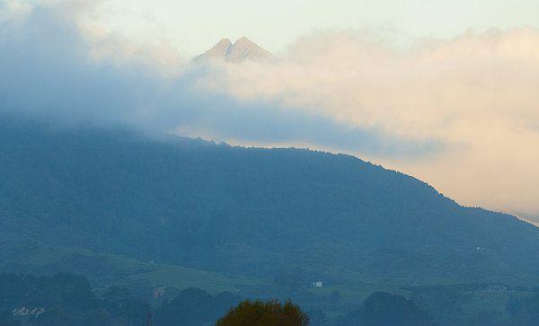 Tararua peak 1812 from Otaki River