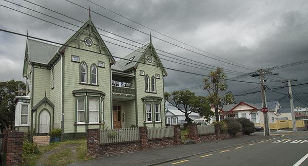 Alice Town Villa 1824
