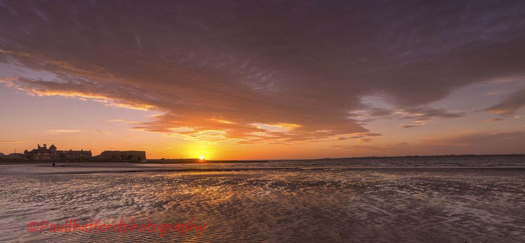 Dawn Beadnell Bay 4