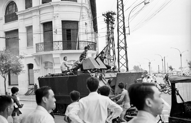 NVA arriving in downtown Saigon
