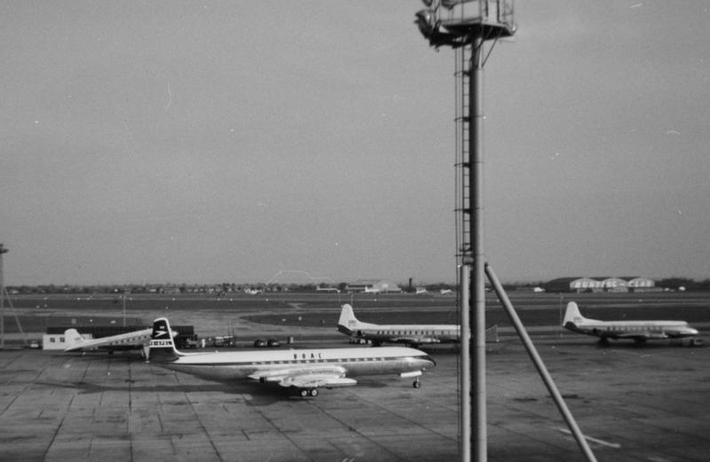 London Airport012