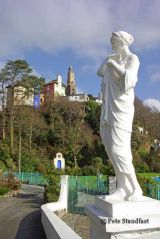 Statue of a lady, Portmeirion