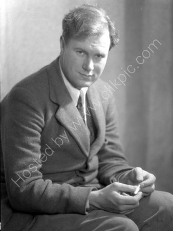Julian Bell  1933