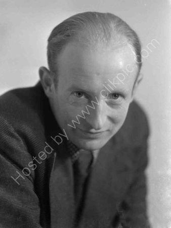 Maurice Dobb 1933