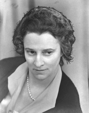 Ruth Draper. (1936.)