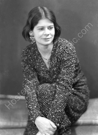 Margaret Gardiner ( 1932 )