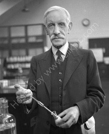 Prof. Sir Gowland Hopkins. (1937)