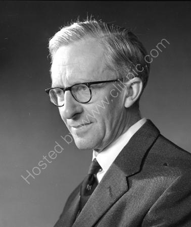 Prof.J.E. Meade.