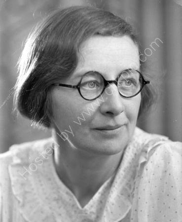 Dorothy Needham  (1936)