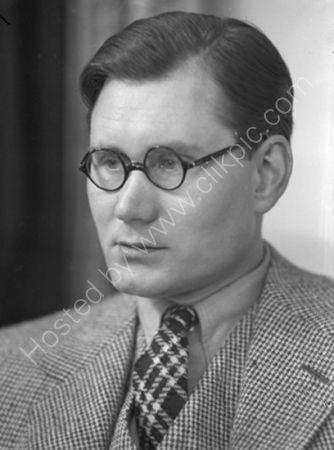 Alec Penrose (1937)