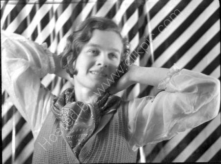 Kathleen Raine. (1932)