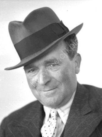 Stanley Woolston. (1937)