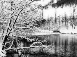 Cwmtillery Lake in Winter.