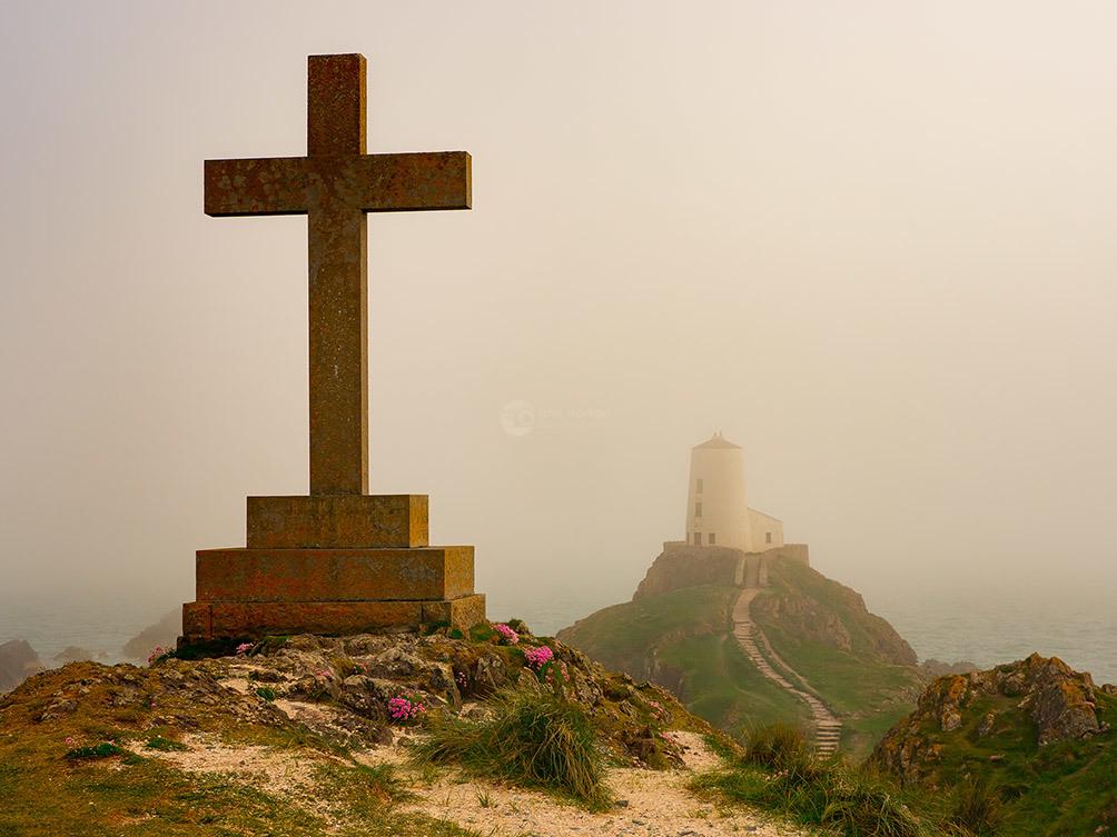 The Cross Twr Mawr