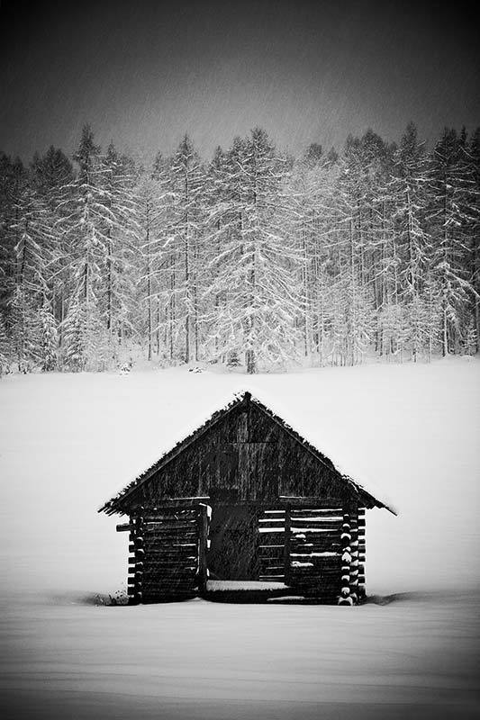 Hut-In-Snow-Storm-Austria-2