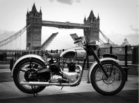 '49 Triumph T100 at Tower Bridge