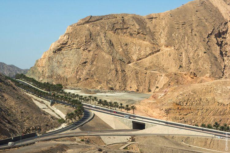 Roads of Oman