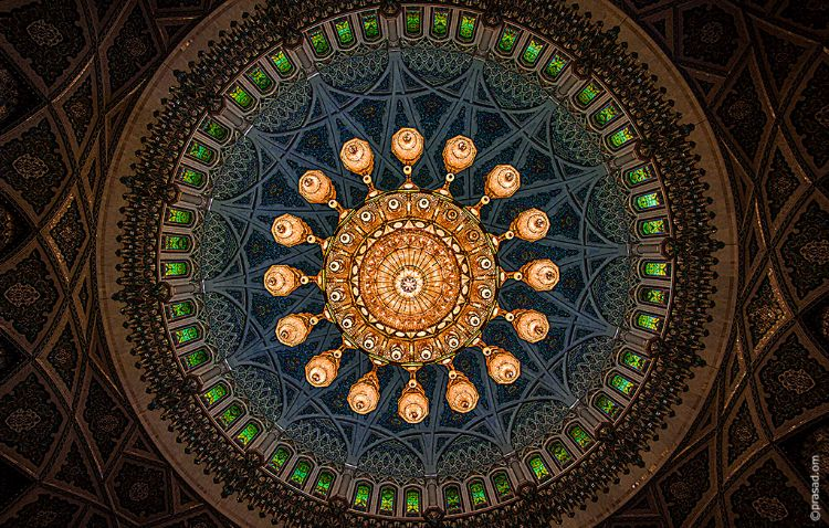 Swarovski Crystal Chandelier in Sultan Qaboos Grand Mosque