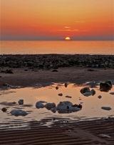 Daybreak over rocks Code DOB