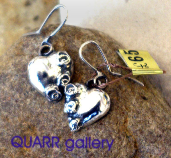 Heart Earrings with Rose details