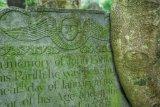 18th century headstone in Peter Tavy churchyard, Dartmoor.