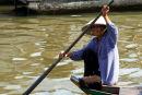 Paddling woman, Tonle Sap