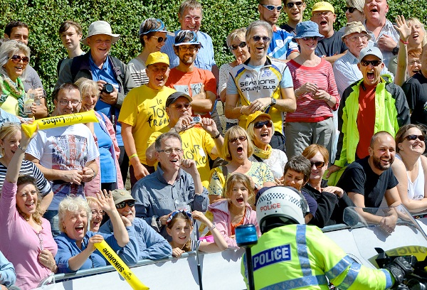 17 Cheering the Police