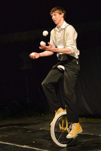 Unicycle juggling