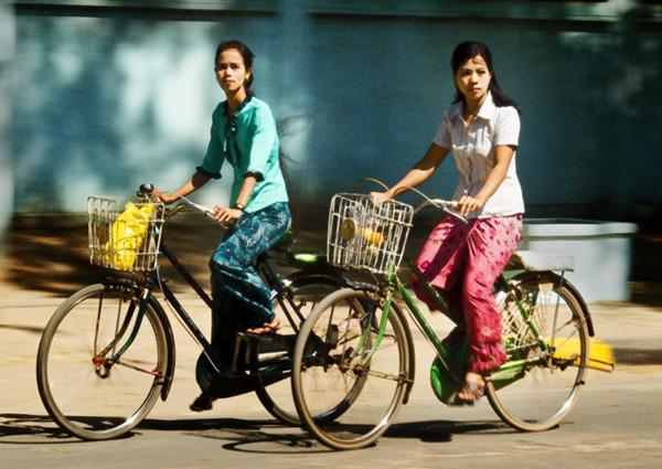 Burmese Girlks