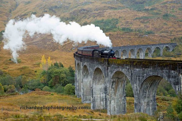Jacobite Express,Glenfinnan.